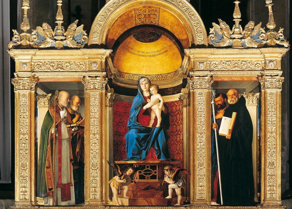 """La sacrestia con la pala """"Madonna con il Bambino tra Santi"""" di Bellini"""